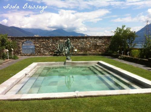 Wasserbecken im Botanischen Garten auf der Isola Brissago