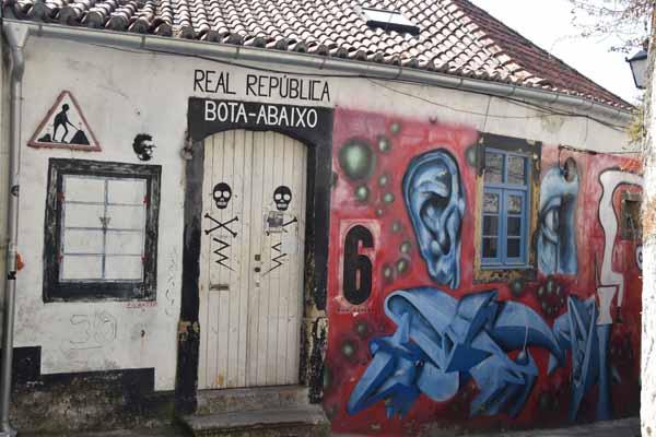 Portugal ist bekannt für Graffiti.
