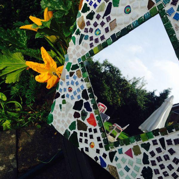 Aus Sternchen, Scherben und anderen Bruchstücken lassen sich schöne Mosaike herstellen. Foto:R. Leemhuis